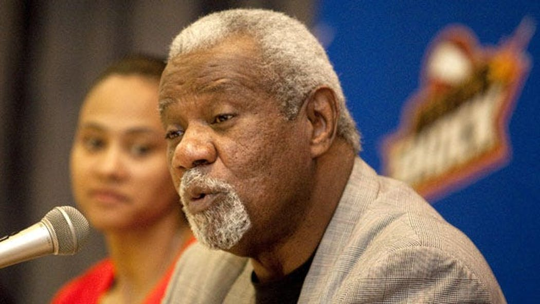 Tulsa Shock Coach Nolan Richardson Steps Down