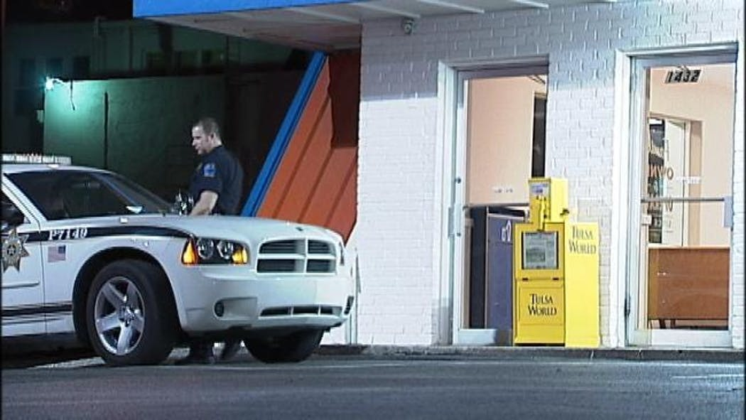 Man In Wig, Face Paint Robs Tulsa Whataburger