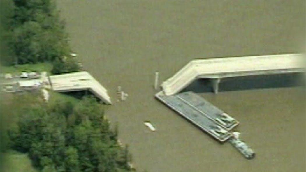 Memorial Dedicated To Victims, Heroes Of Webbers Falls Bridge Collapse