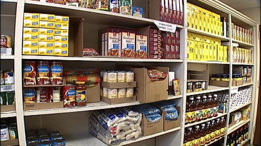 Castle Of Muskogee Hosts Food Drive To Help Hungry Families
