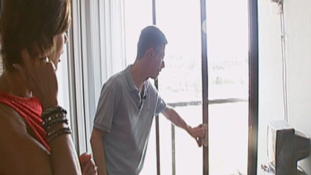 Tulsa Man Fights Off Armed Intruder With Candlestick