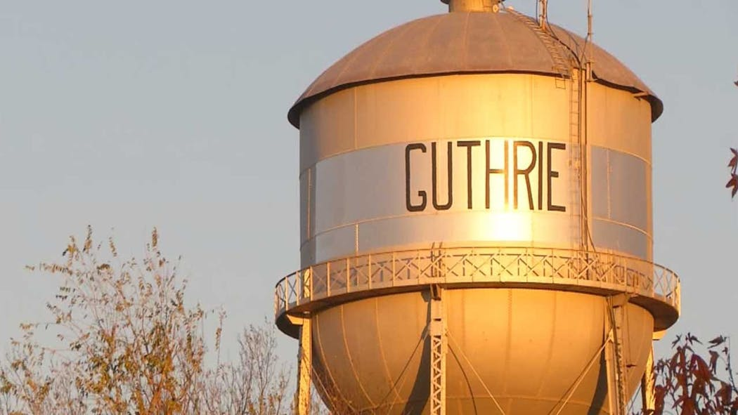 City Of Guthrie Makes Face Masks In Public Mandatory, Implements 'Shelter In Place'