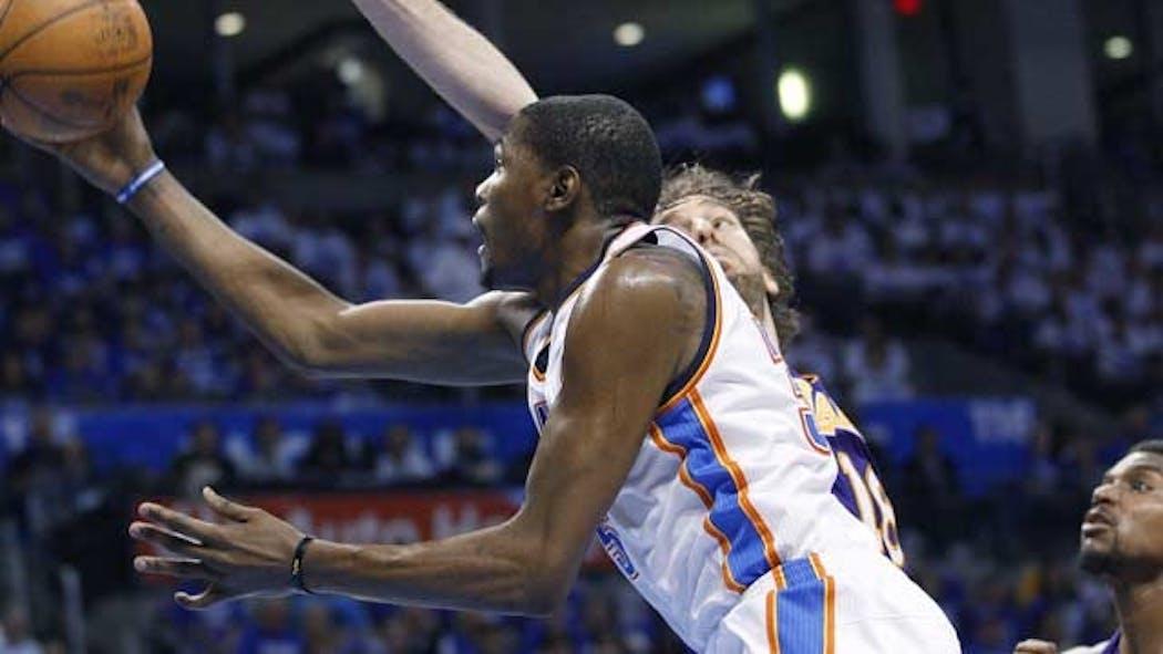 Thunder Rallies To Edge Lakers, Takes 2-0 Series Lead